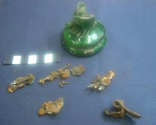 Botella de bruja del siglo XIX descubierta en Lincolnshire, Inglaterra (CC BY 2.0)