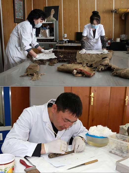 La altitud y el frío resultante ayudaron a la conservación de los restos, aunque el cuerpo se encontraba también cubierto de Shilajit, una sustancia espesa y pegajosa similar al alquitrán con colores que van desde el blanco hasta el castaño oscuro. Fotografías: The Mongolian Observer/Centro de Patrimonio Cultural de Mongolia
