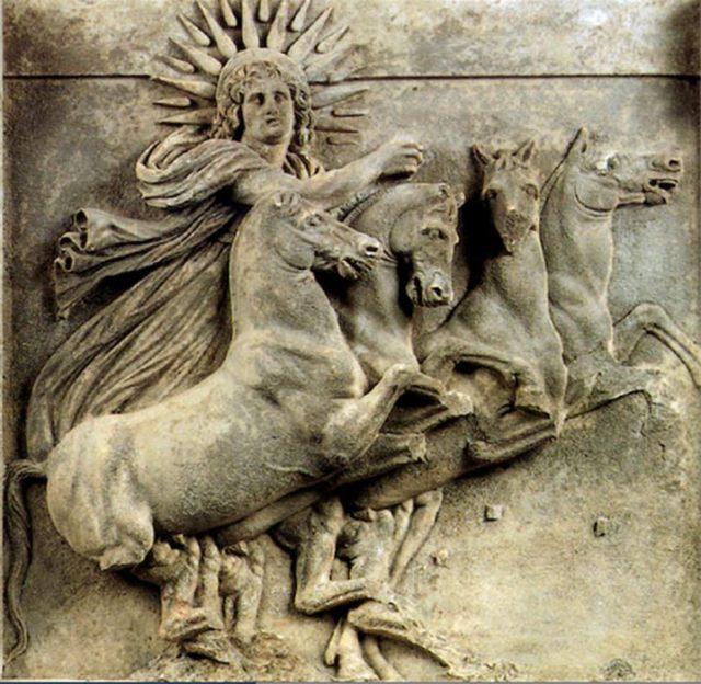 El dios solar Mitra. (Public Domain)
