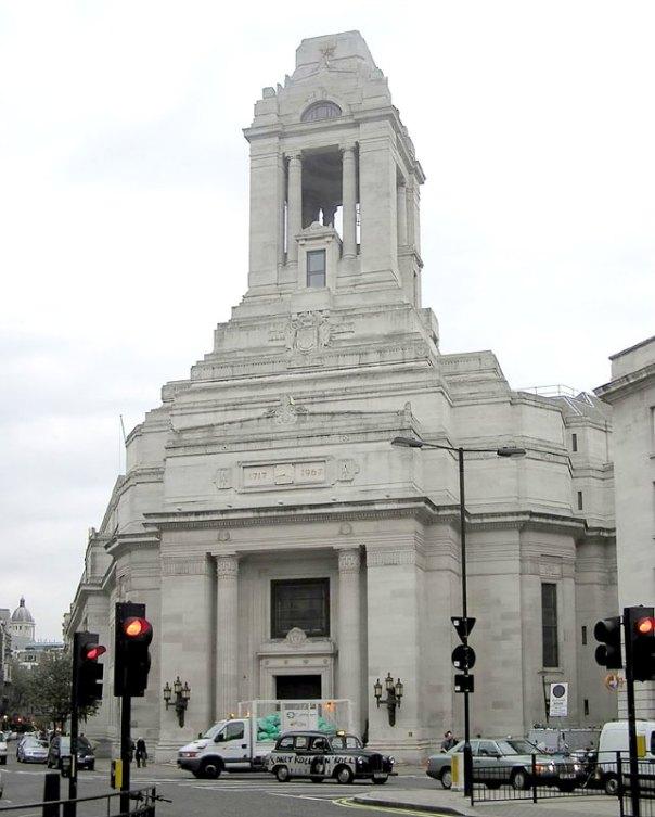 Sede en Londres de la Gran Logia Unida de Inglaterra. El edificio conmemora a los 3225 masones caídos en la Primera Guerra Mundial. (Public Domain)