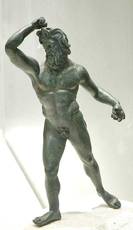 Estatuilla de bronce de un gigante hallada en Asia Menor (siglo II a. C.). Museo del Louvre. París, Francia. (Public Domain)