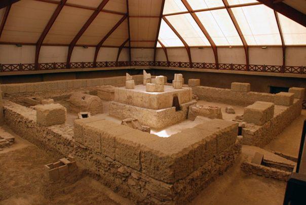 Ruinas de un antiguo mausoleo hallado en Viminacium (Public Domain)