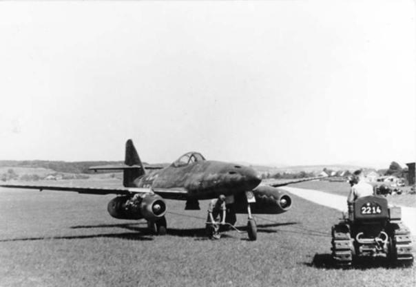 Cazabombardero alemán Me 262 A, años 1944/45. (Bundesarchiv, Bild 141-2497 / CC-BY-SA 3.0)