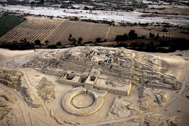 Los restos de la Ciudad Sagrada de Caral, Perú.