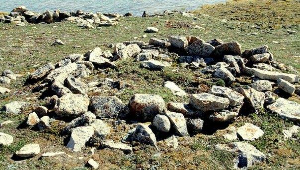 Yacimiento arqueológico Thule situado en Bahía Cambridge, Isla Victoria, Canadá. (Ansgar Walk/ CC BY-SA 2.5)
