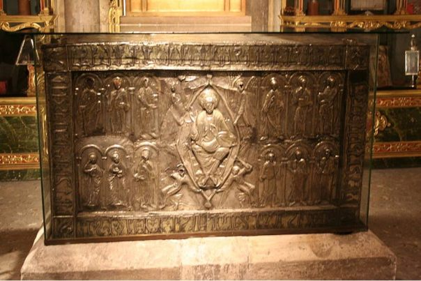 Portada-Arca que contiene el Santo Sudario de Oviedo. Fotografía: Public Domain