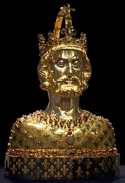 Maschera reliquiario di Carlo Magno, che si trova nella cattedrale del Tesoro ad Aquisgrana.