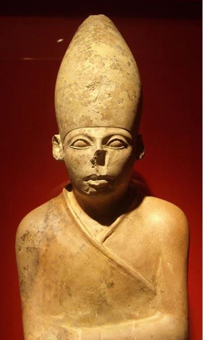 Estatua del faraón egipcio Khasekhemwy.  Oxford, Ashmolean Museum.
