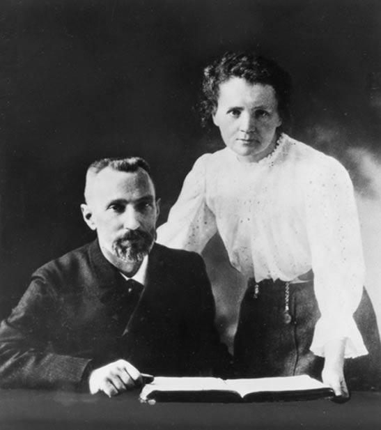 Pierre et Marie Curie, v.  1903.