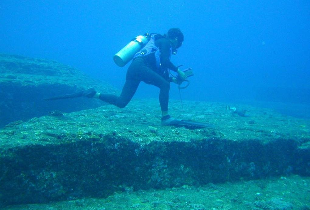 Japan: Sunken formations of the Yonaguni Monument, Japan. Wikimedia