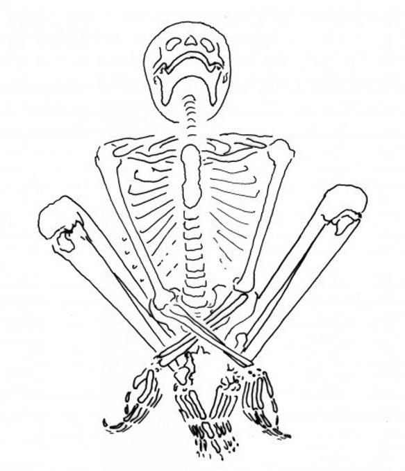 Este esqueleto fue el de una mujer joven, que estaba embarazada en el momento de su muerte. Ella se encontró en una posición sentada, con las manos cruzadas entre sus piernas. La posición del cuerpo sugiere que las manos y los pies pueden haber sido obligado.