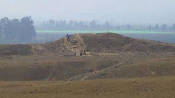 Linee di roccia antica creati dalla cultura enigmatica Paracas anteriori geoglifi Nazca