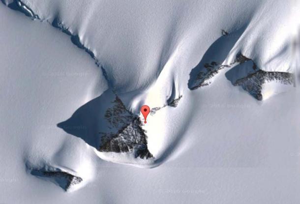 """piramidi antartico. Location della piramide rendere la notizia: 79 ° 58'39.2 """"S 81 ° 57'32.2"""" W."""