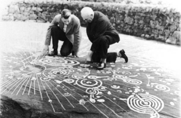 Los 5000 años de edad, talla Cochno Piedra