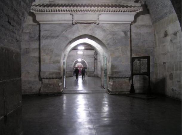 Interno del Dingling Tomba, una parte delle Tombe della dinastia Ming, la raccolta di mausolei costruito dagli imperatori della dinastia cinese Ming.