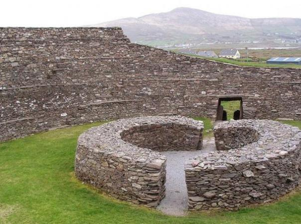 Irish Lore Guardián da Dire Advertencia: US Compañía será Maldito si Ancient Fairy Fort está destruida