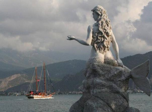 Estatua de la sirena, Turquía
