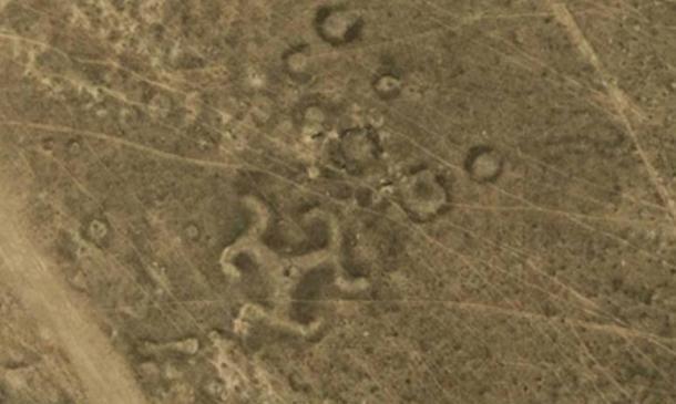 Oltre 50 geoglifi antichi, tra cui svastica, scoperti in Kazakhstan