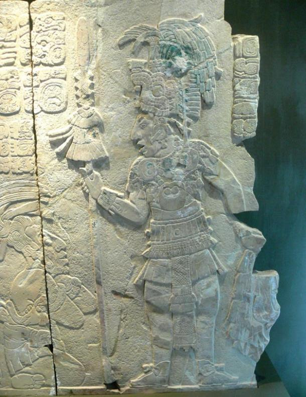 Alivio de un príncipe Maya;  investigadores especulan un poderoso gobernante supervisó el diseño de la ciudad de Nixtun-Ch'ich '.