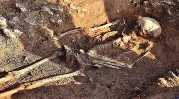 Un squelette de «sorcière qui a transformé les hommes en pierre» découvert en Angleterre