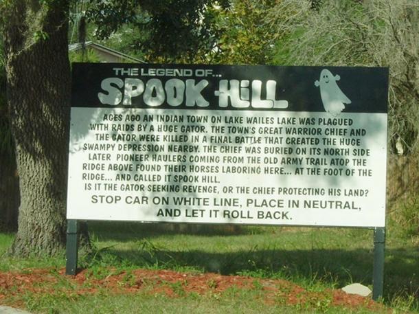 Il segno a Spook Hill.