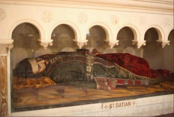 Effigie de cire de Saint Datian à l'église du Très Saint Rédempteur de New York.