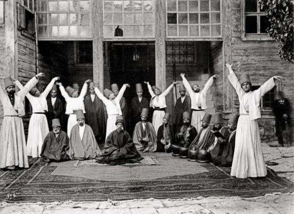Derviches de Galata Mawlawi Casa (Imperio Otomano), 1870.