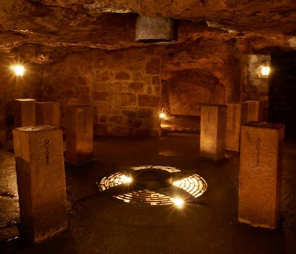 L'Asse del Santuario mondiale nel Labirinto del Castello di Buda.