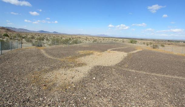 Los geoglifos antropomorfos del Desierto de Colorado están protegidas con vallas