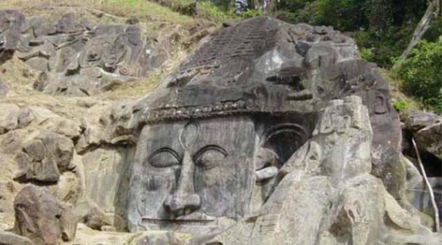 bas reliefs at Unakoti - Los Misteriosos Unakoti bajorrelieves y la maldición de un Dios