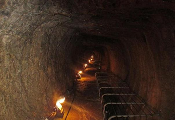 Túnel de Eupalinos (túnel Eupalinian)