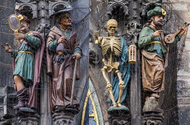 Top - représentations de la vanité et de l'usure (CC BY SA 3.0) la mort et la luxure.