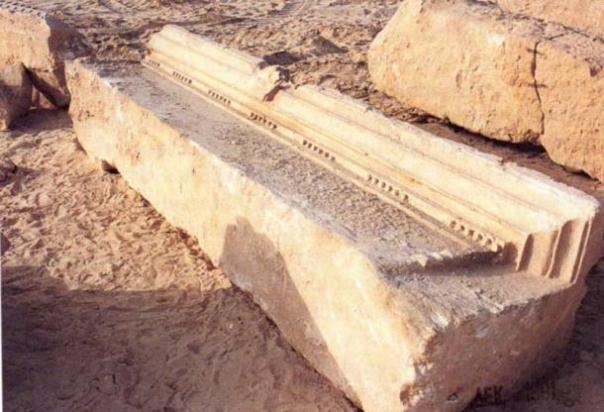 Un dintel de la cámara de la tumba