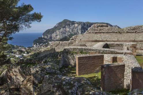 The-ruins-of-Tiberius-Villa-Jovis