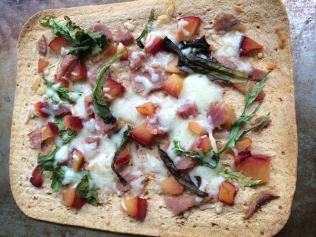 Ham Nectarine & Spring Mix Pizza [Low Carb, GF]...And A Dash of Cinnamon