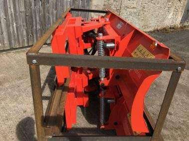 Dozer / Snow blade for skid steere