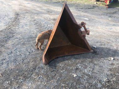 V Bucket