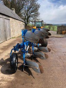 Overum CLX 7100H plough