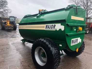 major Muckout 750 muck spreder