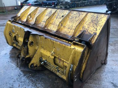 High tip bucket from a cat 930