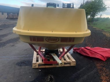 Vicon 604 super flow pendulum spreader