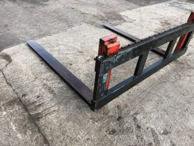 pallet forks wide carrage