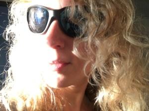 Nahaufnahme: Lizzi mit Gletscherbrille
