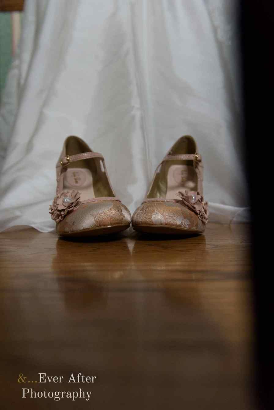 wedding shoes, bride shoes, wedding dress