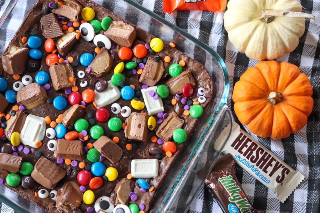 Easy Halloween Candy Brownies
