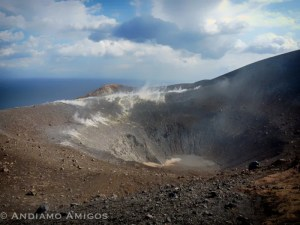 vulcano hike to the crater