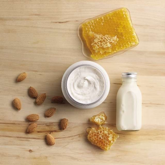 almond-milk-honey-gently-exfoliating-cream-scrub