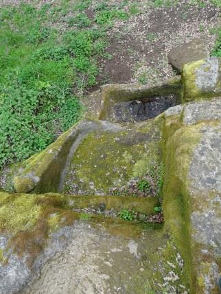 3-fontana-rupestre