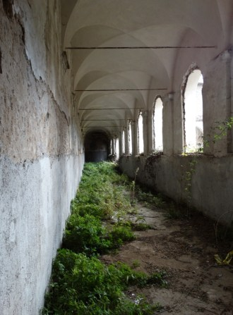 convento-abbandonato-12