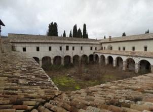 convento-abbandonato-13